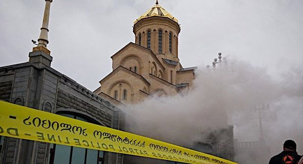 church_tbilisi_fire_200316